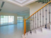 4 Bedrooms Villa in Legacy