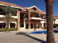 5 Bedrooms Villa in Jumeirah Islands