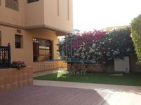 4 Bedrooms Villa in Jumeirah 2