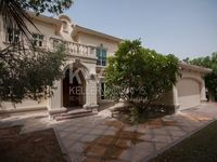 4 Bedrooms Villa in Entertainment Foyer- Mediterranean