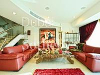 4 Bedrooms Apartment in World Trade Centre Residence