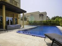 6 Bedrooms Villa in Sector H