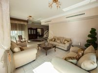 4 Bedrooms Apartment in Al Mesk
