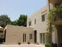 6 Bedrooms Villa in Sector E