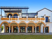 5 Bedrooms Villa in Marbella