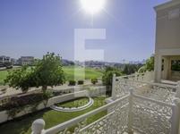 6 Bedrooms Villa in Sector R