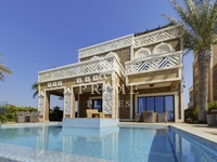 5 Bedrooms Villa in Balqis Residence