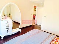 5 Bedrooms Villa in Meadows 4