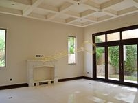 5 Bedrooms Villa in Camellia