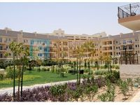 1 Bedroom Apartment in Fox Hill 8