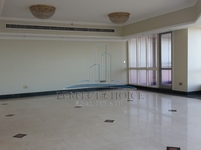4 Bedrooms Apartment in Baniyas Road
