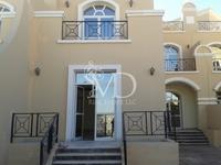 5 Bedrooms Villa in Villa Compound