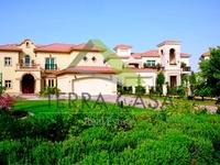 4 Bedrooms Villa in Island Two