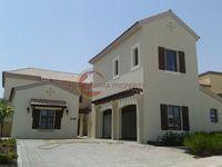 5 Bedrooms Villa in Flame Tree Ridge