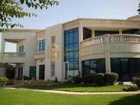 5 Bedrooms Villa in Jumeirah 2
