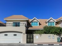 4 Bedrooms Villa in Umm Suqeim 3