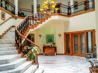 6 Bedrooms Villa in Jumeirah
