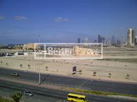 3 Bedrooms Apartment in Deira Commercial Building