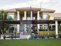 5 Bedrooms Villa in Jumeirah 1