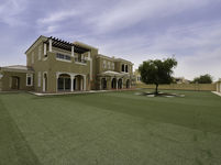 6 Bedrooms Villa in Polo Homes