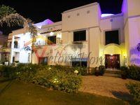 7 Bedrooms Villa in Sector W