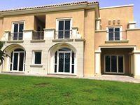 5 Bedrooms Villa in Novelia