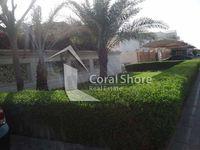 5 Bedrooms Villa in Jumeirah