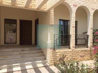 4 Bedrooms Villa in Umm Suqeim 3